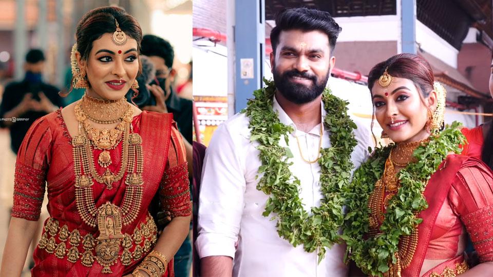 Dhurga-Krishnan-Wedding-photo